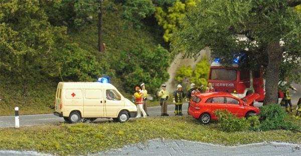 Unfallszene auf der Landstraße
